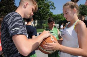 Brezec & Sagadin Kosarkarski kamp 2019 Obisk Luke Rupnika